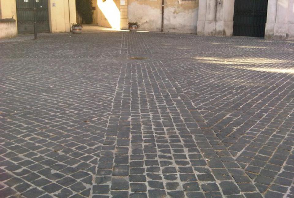 Marciapiedi di Roma a Sanpietrini